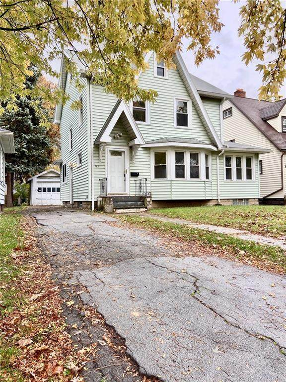 762 Genesee Park Boulevard, Rochester, NY 14619 (MLS #R1304562) :: Thousand Islands Realty