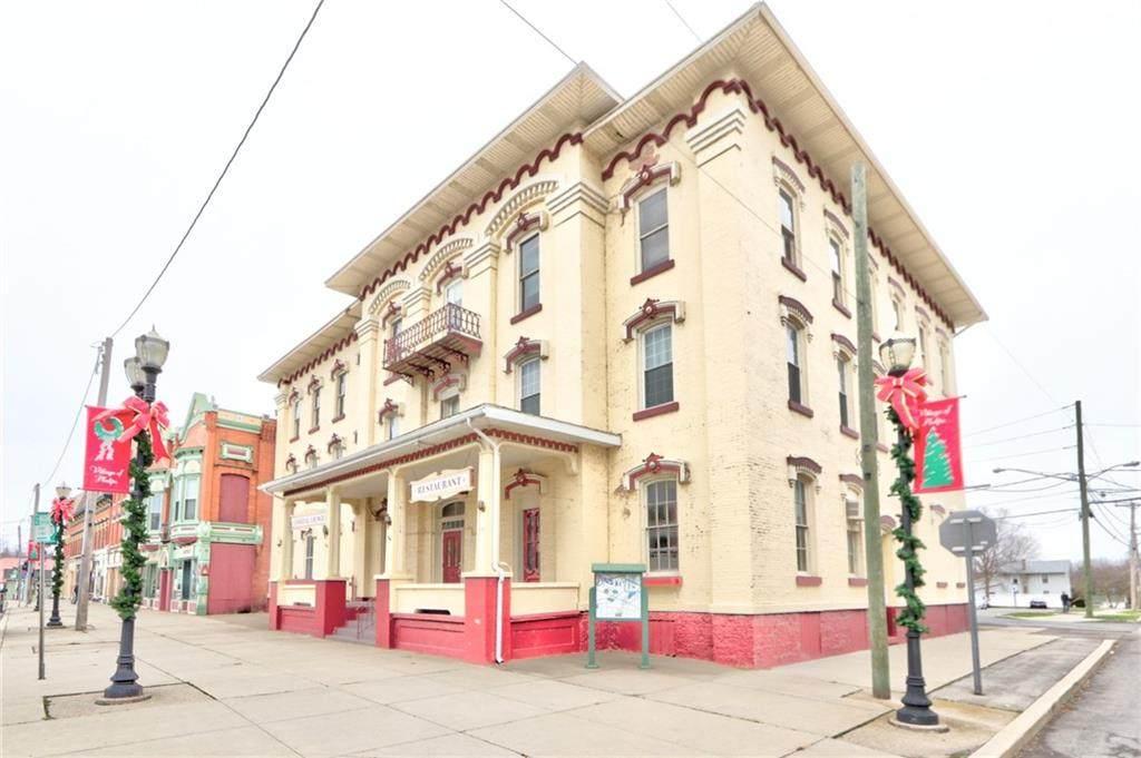 90 Main Street - Photo 1