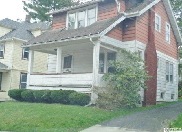 16 Myers Avenue, Jamestown, NY 14701 (MLS #R1325338) :: BridgeView Real Estate Services