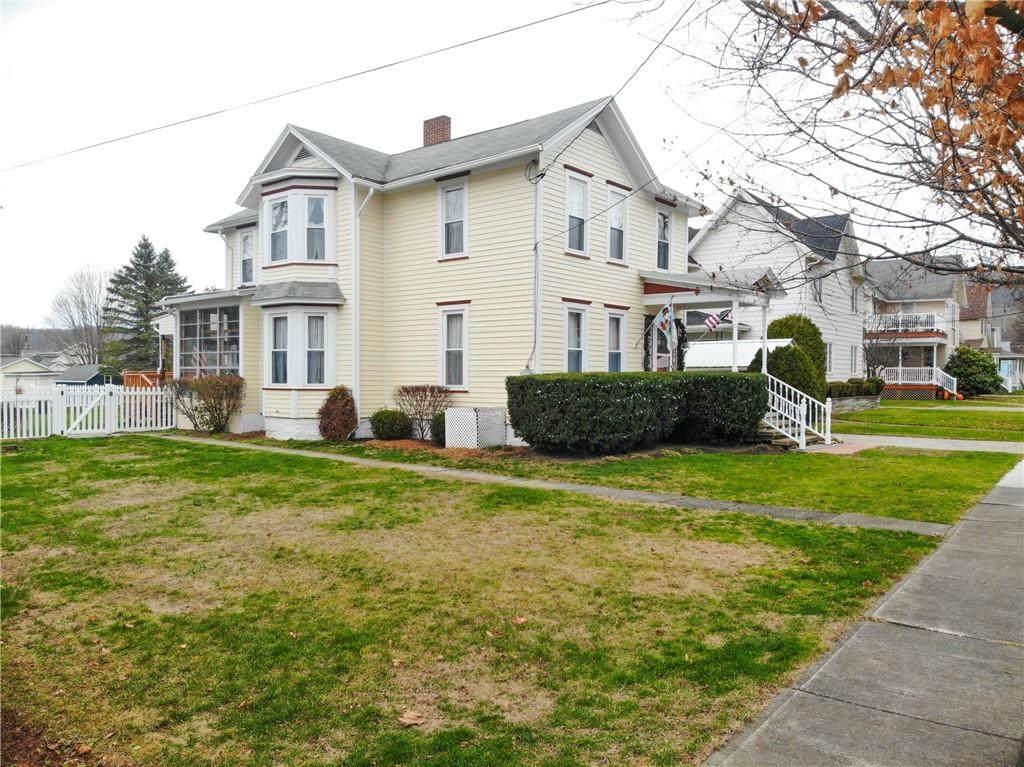16 Charlesworth Ave - Photo 1