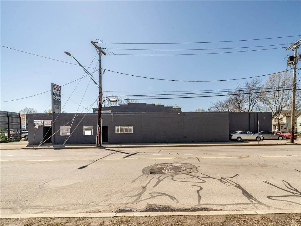 545 West Avenue - Photo 1
