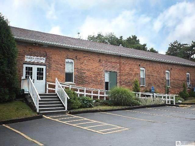 45 Lakeview Avenue, Pomfret, NY 14063 (MLS #R1343907) :: BridgeView Real Estate Services