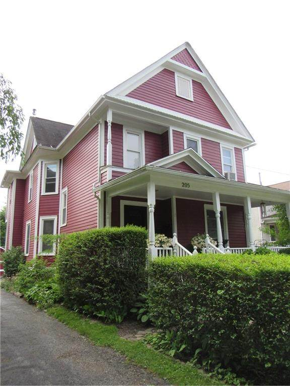 205 Howell Street, Canandaigua-City, NY 14424 (MLS #R1348690) :: BridgeView Real Estate Services