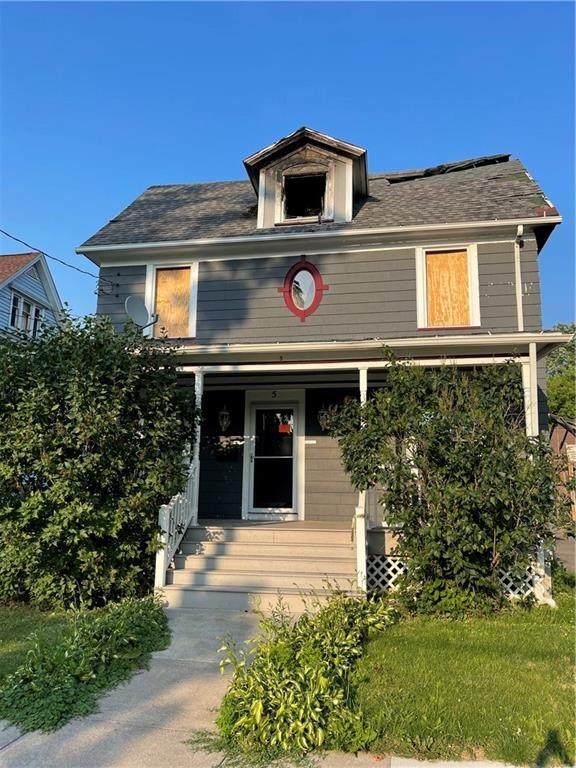 5 E Academy Street, Albion, NY 14411 (MLS #R1350242) :: TLC Real Estate LLC