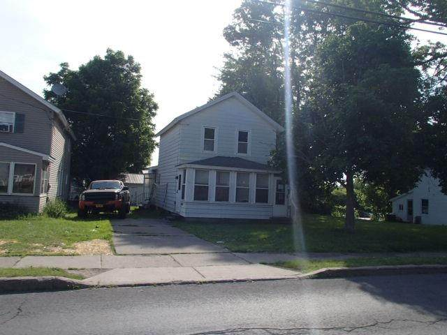 211 W 1st Street S, Fulton, NY 13069 (MLS #R1354093) :: BridgeView Real Estate Services