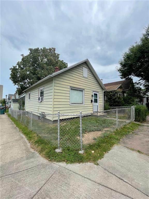 162 Benton Street, Rochester, NY 14620 (MLS #R1359562) :: Serota Real Estate LLC