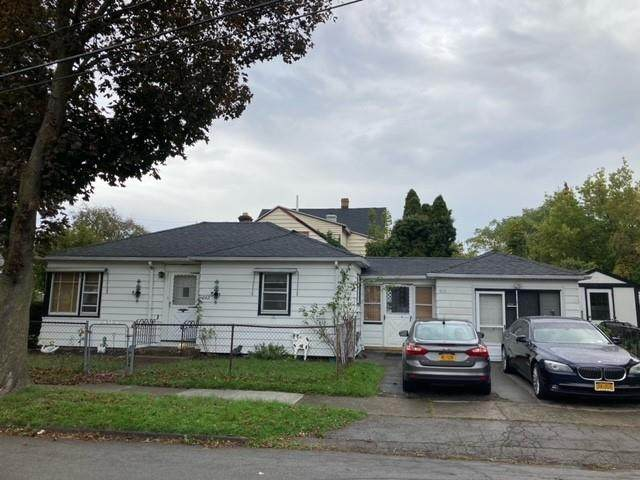 262 Arbutus Street, Rochester, NY 14609 (MLS #R1374275) :: Thousand Islands Realty