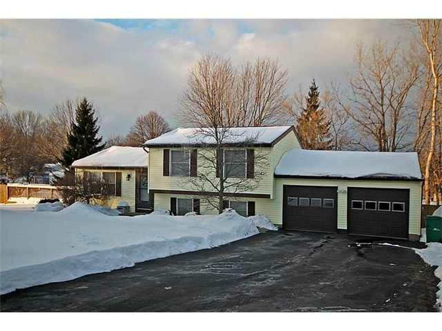 1557 Starflower Ct, Walworth, NY 14568 (MLS #R198545) :: Robert PiazzaPalotto Sold Team
