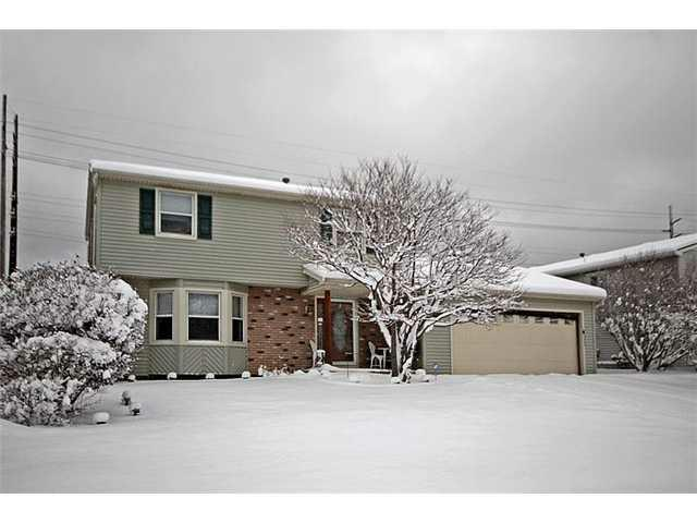 77 Pebbleview Dr, Greece, NY 14612 (MLS #R202224) :: Robert PiazzaPalotto Sold Team