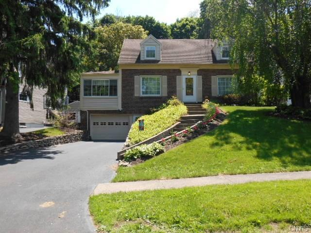 220 Edgemont Drive, Syracuse, NY 13214 (MLS #S1121672) :: Thousand Islands Realty