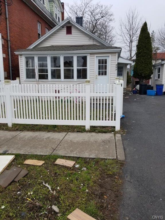 407 Pond Street, Syracuse, NY 13208 (MLS #S1140972) :: Updegraff Group