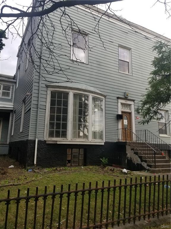 423 James Street, Syracuse, NY 13203 (MLS #S1148141) :: The CJ Lore Team | RE/MAX Hometown Choice