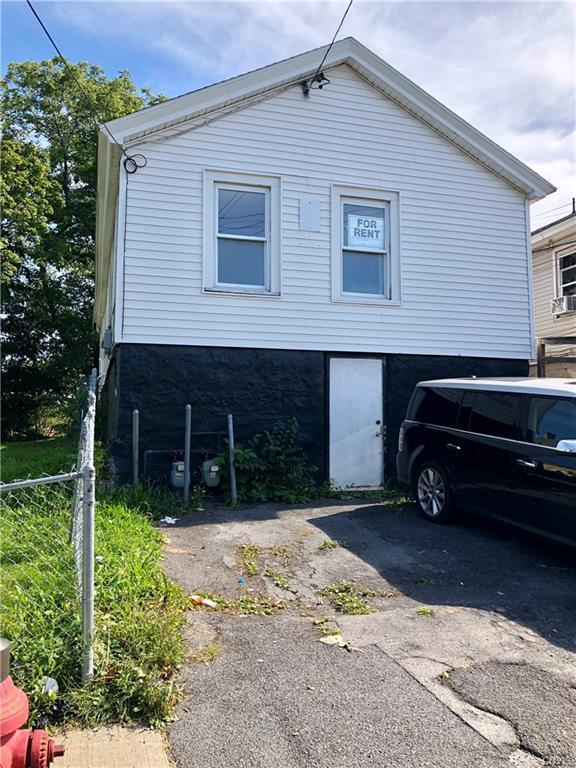134 John Street, Syracuse, NY 13208 (MLS #S1150437) :: The CJ Lore Team   RE/MAX Hometown Choice