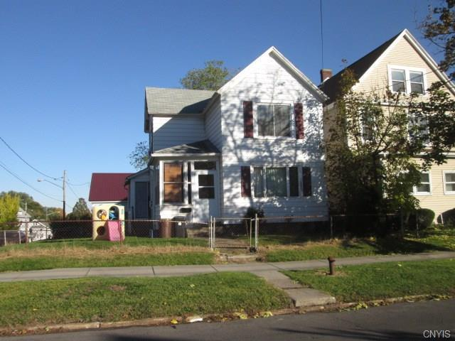 1360 Oak Street, Syracuse, NY 13203 (MLS #S1157665) :: Updegraff Group