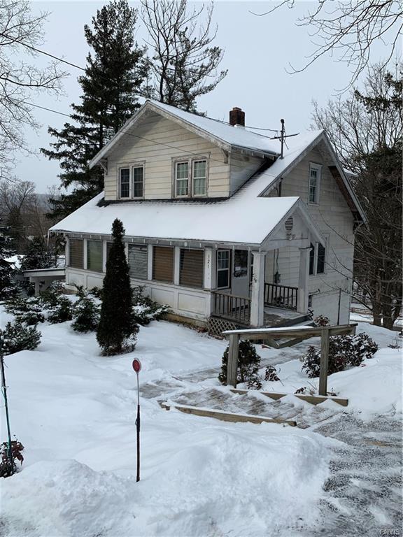 321 E Seneca Turnpike, Syracuse, NY 13205 (MLS #S1170780) :: Thousand Islands Realty