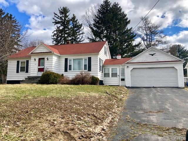 550 Hinsdale Road, Camillus, NY 13031 (MLS #S1180025) :: The Chip Hodgkins Team
