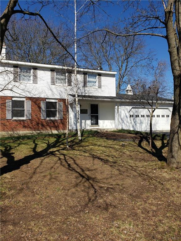 8255 Larkspur Drive, Clay, NY 13027 (MLS #S1186137) :: Thousand Islands Realty