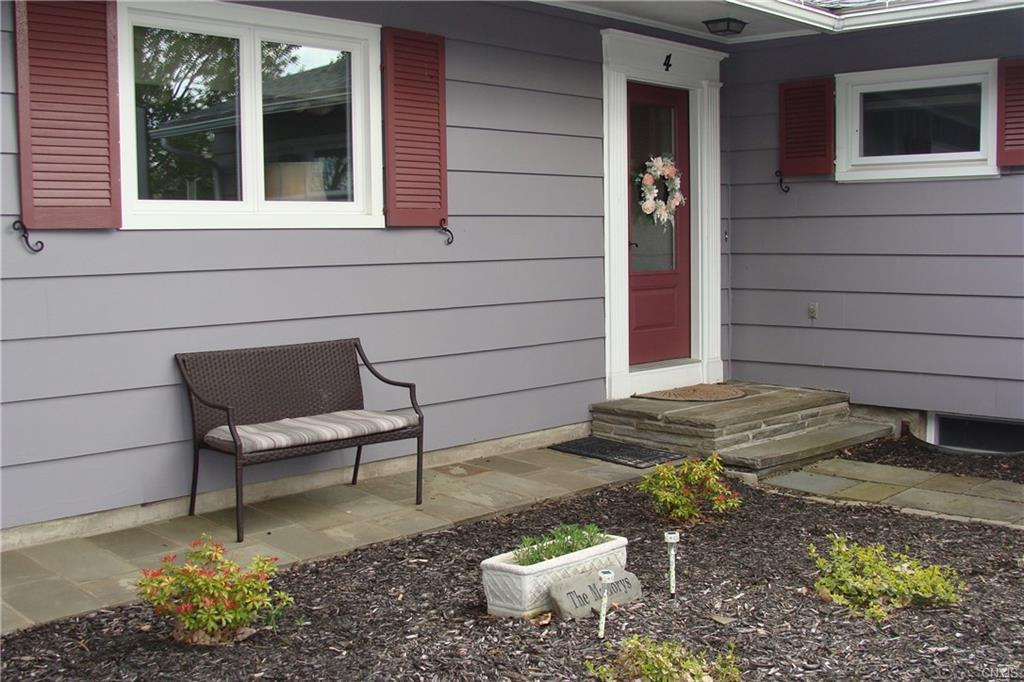 4 Holley Drive - Photo 1
