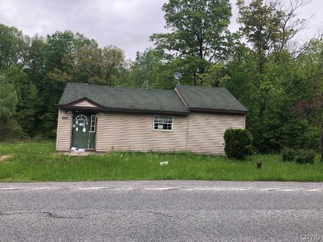 1507 Kingdom Road, Van Buren, NY 13027 (MLS #S1197390) :: Robert PiazzaPalotto Sold Team