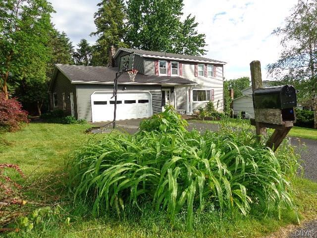 8206 Old Sunridge Drive, Manlius, NY 13104 (MLS #S1202069) :: The Rich McCarron Team