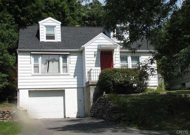 613 Demong Drive, Syracuse, NY 13214 (MLS #S1202295) :: The Glenn Advantage Team at Howard Hanna Real Estate Services