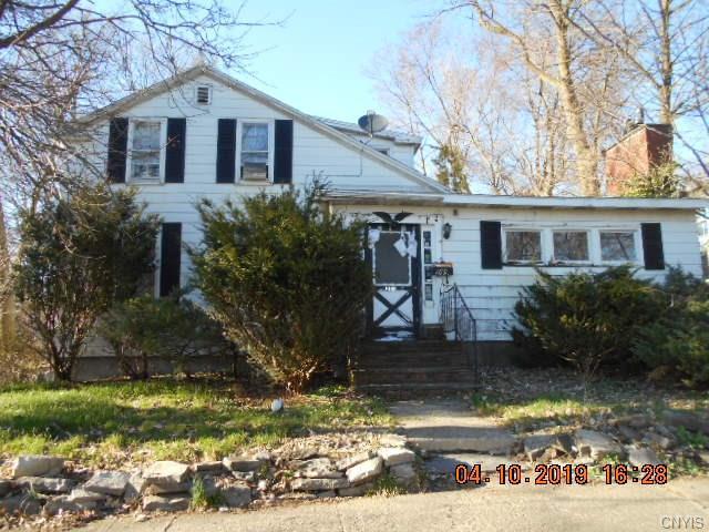 203 Pleasant Street, Manlius, NY 13104 (MLS #S1202310) :: Updegraff Group