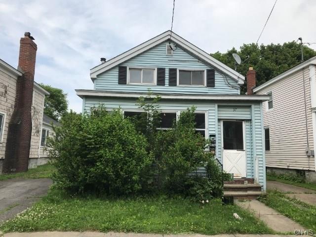 37 E 7th Street, Oswego-City, NY 13126 (MLS #S1208407) :: Thousand Islands Realty
