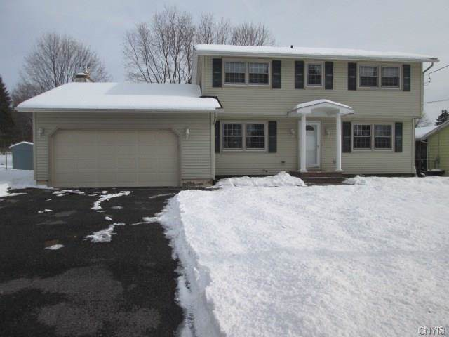 7765 Deerfield Road, Clay, NY 13090 (MLS #S1247639) :: The Chip Hodgkins Team