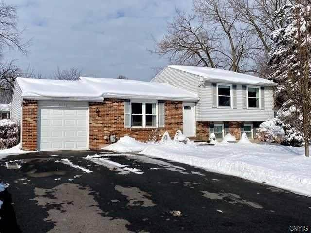 7352 Tomwood Drive, Salina, NY 13090 (MLS #S1250741) :: BridgeView Real Estate Services