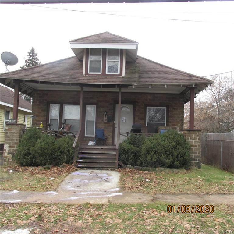 1315 Oak Street - Photo 1