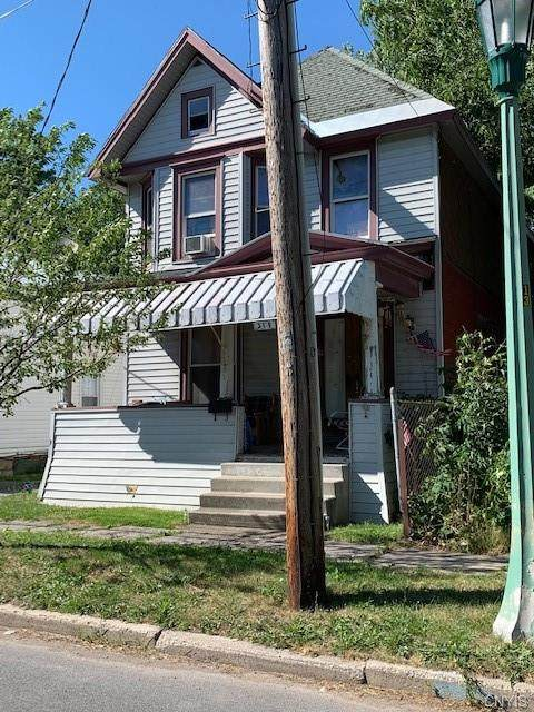 319 Academy Street, Watertown-City, NY 13601 (MLS #S1285072) :: Thousand Islands Realty