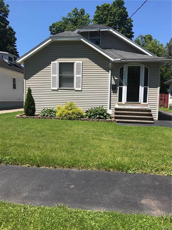 304 Ferndale Drive, Syracuse, NY 13205 (MLS #S1292134) :: Robert PiazzaPalotto Sold Team