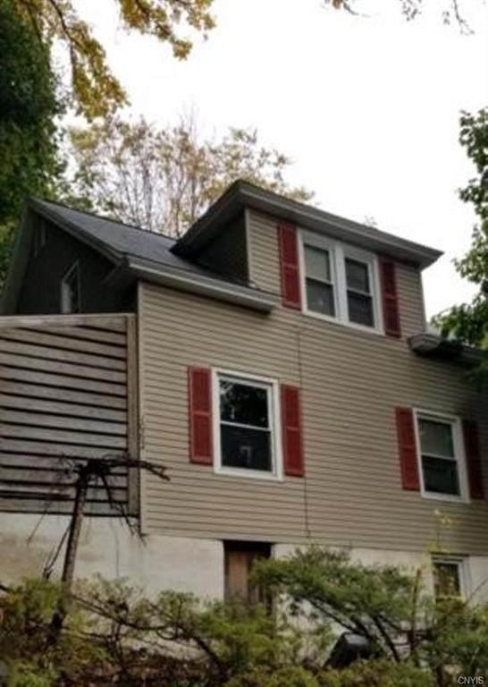 1062 Highland Street, Syracuse, NY 13203 (MLS #S1301561) :: Thousand Islands Realty