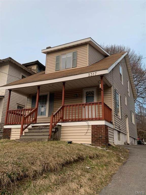 3317 S Salina Street, Syracuse, NY 13205 (MLS #S1311493) :: Mary St.George | Keller Williams Gateway
