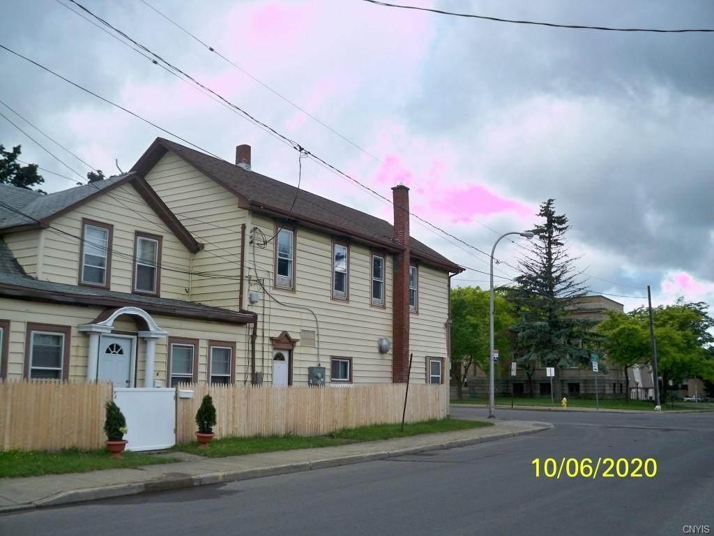 1027 Main Street - Photo 1