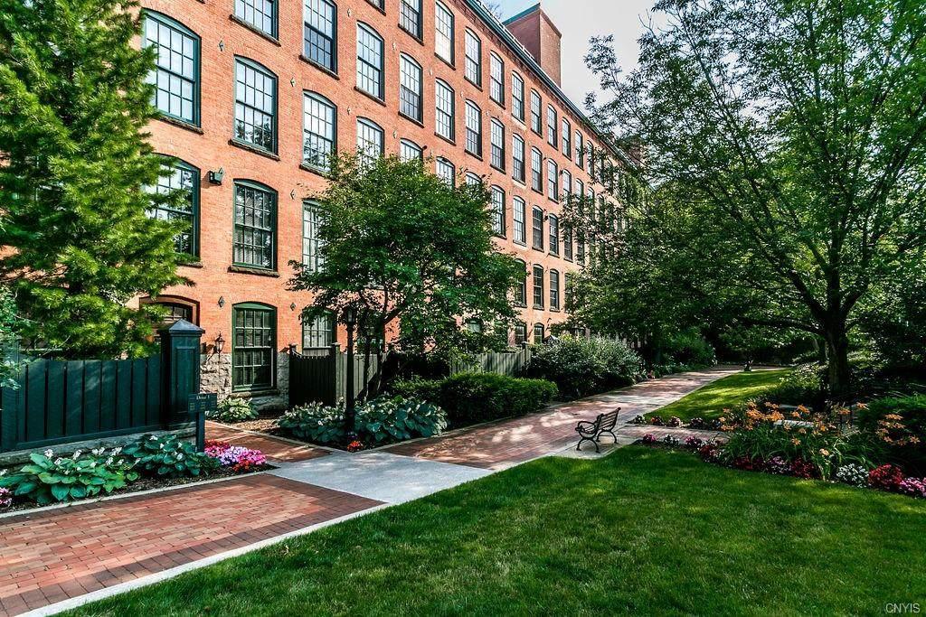 429 Franklin Street - Photo 1