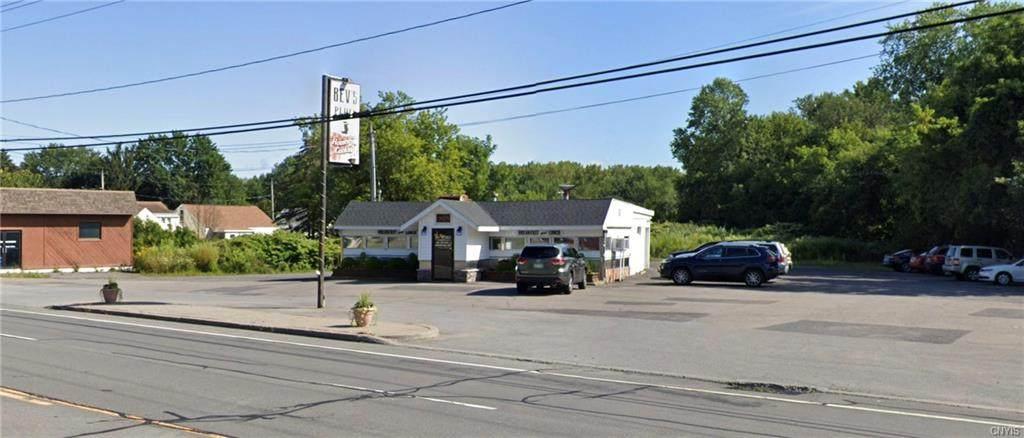 372 Oriskany Boulevard - Photo 1