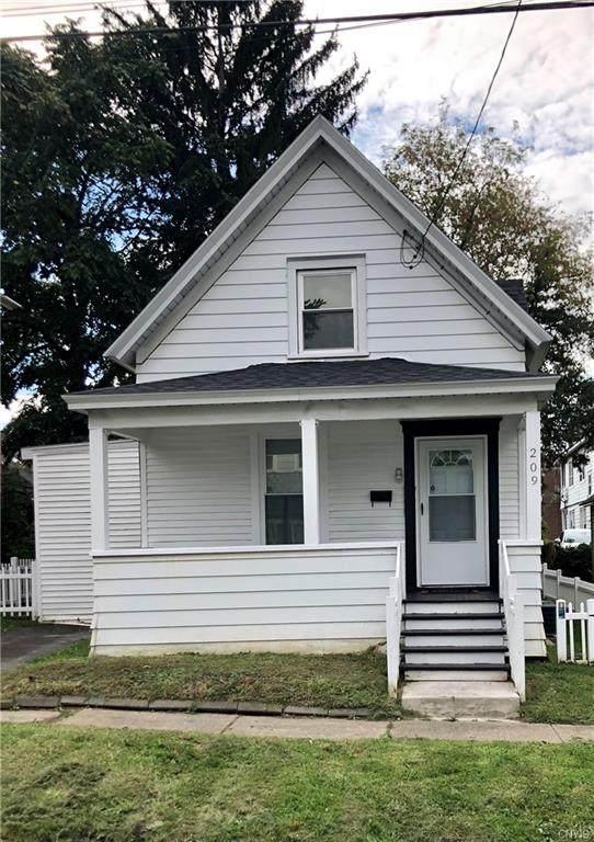 209 Hazelhurst Avenue, Syracuse, NY 13206 (MLS #S1368767) :: MyTown Realty