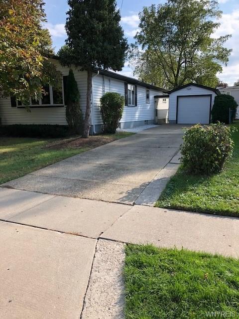 177 Bellwood Avenue, West Seneca, NY 14224 (MLS #B1154447) :: Updegraff Group