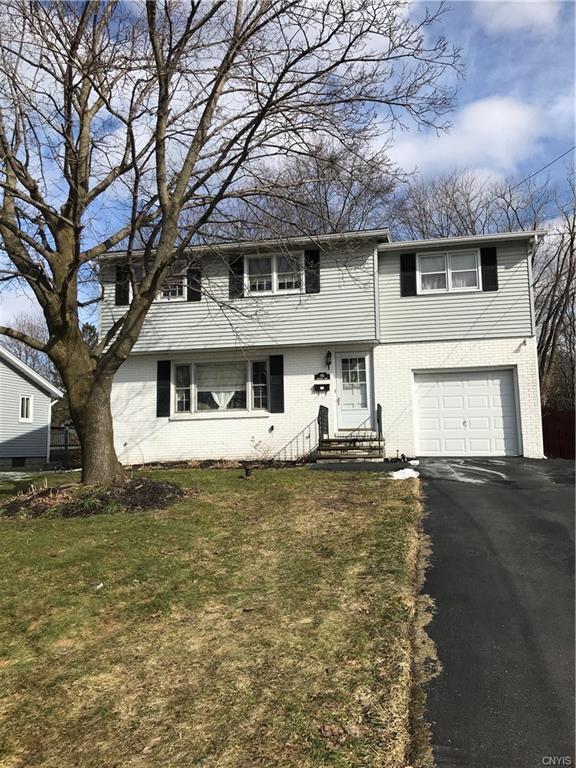 102 Rosewood Drive, Clay, NY 13090 (MLS #S1180435) :: The Chip Hodgkins Team