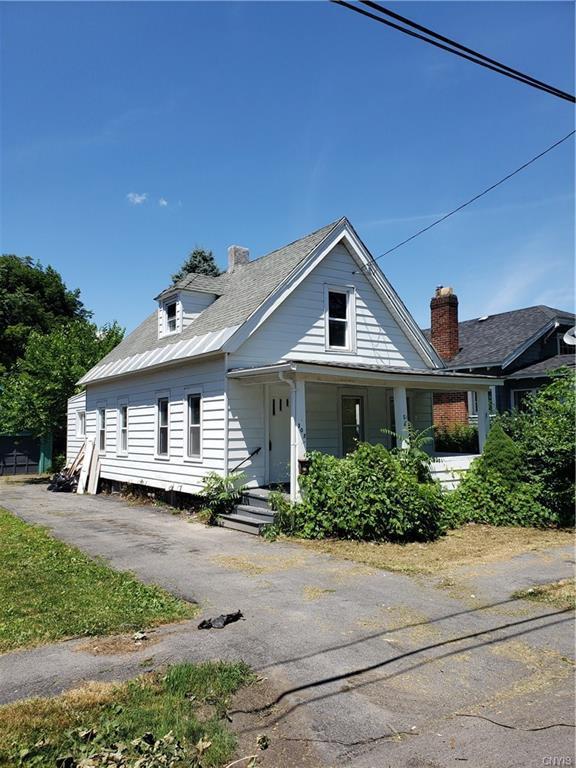 303 Herbert Street, Syracuse, NY 13208 (MLS #S1210160) :: Robert PiazzaPalotto Sold Team