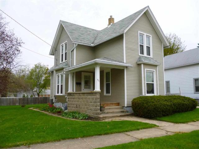 551 Warren Avenue, Belvidere, IL 61008 (MLS #201707232) :: Key Realty