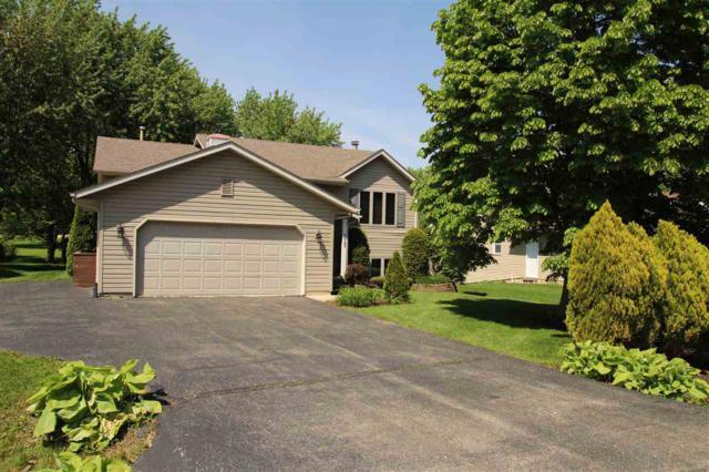 215 Thornhill Drive, Poplar Grove, IL 61065 (MLS #201802858) :: Key Realty