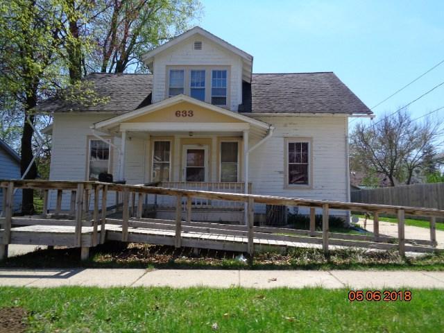 633 W Homer Street, Freeport, IL 61032 (MLS #201802888) :: Key Realty