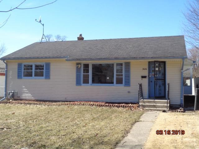 3024 Latham Street, Rockford, IL 61103 (MLS #201901179) :: HomesForSale123.com