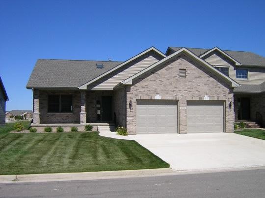 15526 White Oak Drive, South Beloit, IL 61080 (MLS #201707033) :: Key Realty