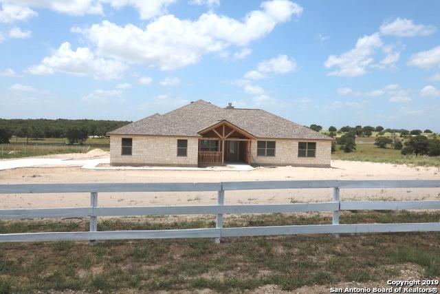 605 Lakeridge Ln, La Vernia, TX 78121 (MLS #1380833) :: BHGRE HomeCity