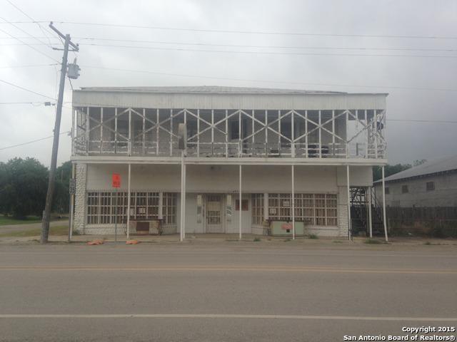 321 W Us Hwy 57, La Pryor, TX 78872 (MLS #1115578) :: Carolina Garcia Real Estate Group