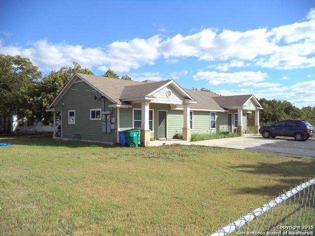 1227-1237 W Jefferson Ave, Seguin, TX 78155 (MLS #1146852) :: Magnolia Realty