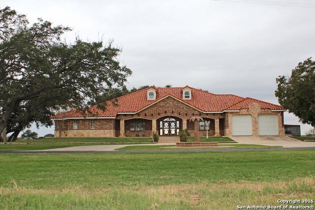 14781 Ih-35 S, Moore, TX 78057 (#1149504) :: The Perry Henderson Group at Berkshire Hathaway Texas Realty